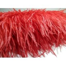Страусиные перья на ленте алый