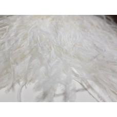 Страусиные перья на ленте белые